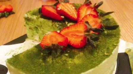 🍓草莓抹茶慕斯蛋糕