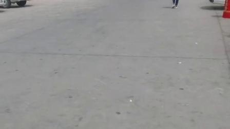 新疆风情-一骑绝尘