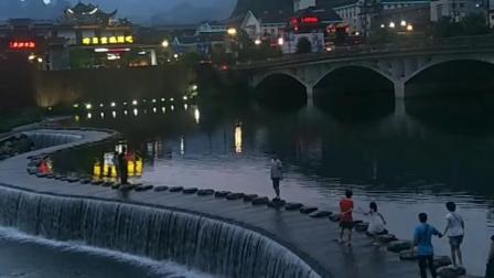 艳遇桥,每天都是不一样的风景