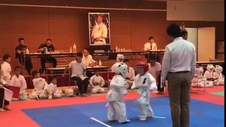 日本小孩从小学跆拳道!