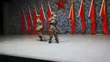 峻峻2018秋季参加《国防教育》实践活动