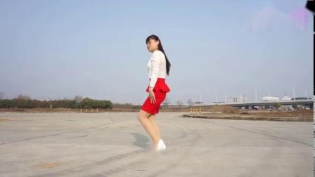最新32步广场舞《对你爱不够》舞步简单又好看,不信你也试试