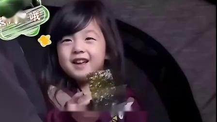刘畊宏一家现身陈小春演唱会,jasper小泡芙重聚,春哥眼神超宠溺
