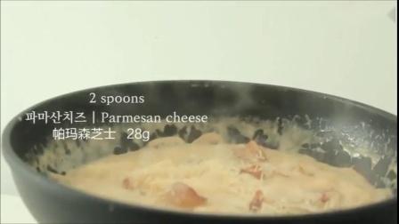 奶油培根意粉吃多了,换成年糕感觉会是怎么样?——奶油蘑菇培根年糕