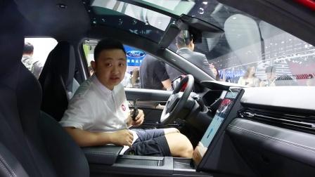 【车展看新车】头顶一个全景摄像头 小鹏G3智能社交玩出新花样