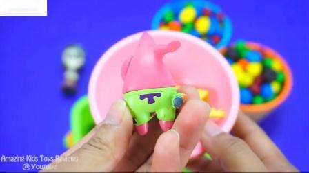 4种颜色冰淇淋杯糖果惊喜可可皮克斯和海绵宝宝玩具