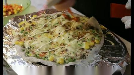 越南当地特色,薄皮披萨,芝士被炙烤融化的感觉很棒