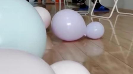 马卡龙气球如何省力打结