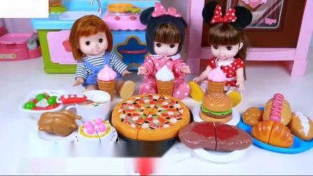 娃娃的生日派对蛋糕玩具食品比萨汉堡冰淇淋苏打
