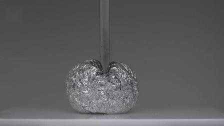 观看后引起舒适:100吨液压机切割铝箔球实验