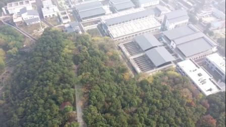 我的无人机雾天飞越长江