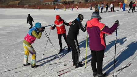 2018哈尔滨市越野滑雪教练员培训班推进教学