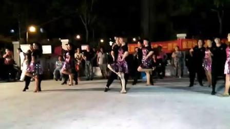 王昕赵莹老师学生双女吉特巴团体舞第一套
