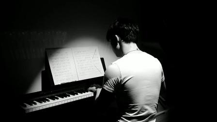 钢琴弹奏-李健《Love is Over》(纯音乐)