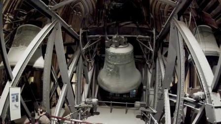 近距离观看德国科隆大教堂钟楼敲钟