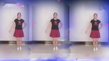 平凡广场舞《女兵走在大街上》编舞叶子制作演示平凡