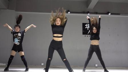 帅气爵士舞视频深圳华辰舞蹈教学