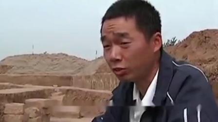 河南一小山村,考古队挖到一块石板,惊呼:地