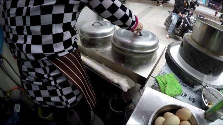 南宁卷筒粉 - 粉皮滑嫩有嚼劲,全靠三种大米磨成的米浆