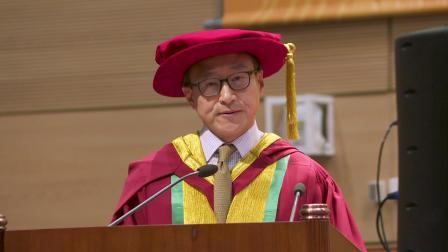 香港教育大学第二十四届学位颁授典礼— 蔡崇信博士箴言:勿忘施教 成就他人