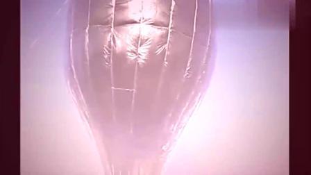 印度牛人用塑料薄膜制成热气球,起飞场面太壮