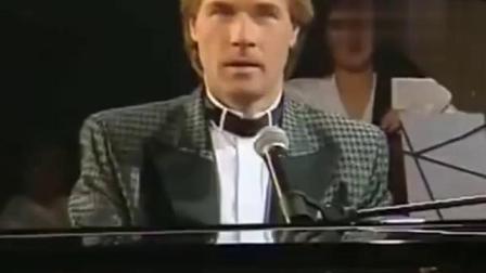 理查德克莱德曼现场演奏,唯美钢琴曲《秋日私语》,再现经典!
