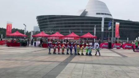 米高冯辉国际轮滑中心二队拉龙