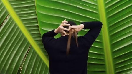 真人编发,40岁的女人别再烫卷发了,这款发型扎上让你美若天仙