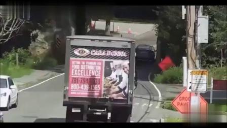 爆笑事故视频最新搞笑车祸视频合集