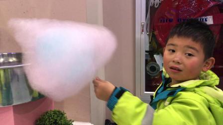 【快7岁】5-12哈哈在滑雪场吃棉花糖IMG_7485