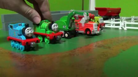托马斯和小伙伴们瀑布场景玩具 托马斯过吊桥