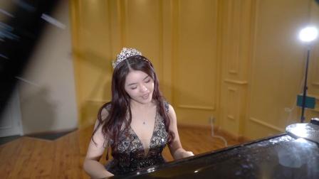 钢琴弹唱  告白气球 冬子摄影