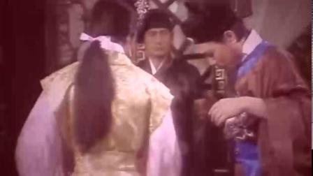 没想到老版《八仙过海》也有反串,五尺的汉子硬生生装个姑娘