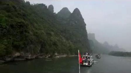 我在桂林漓江游船旅游沿途唯美山水风光河流景色随拍高清视频实拍素材截了一段小视频