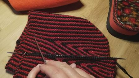 毛线棉鞋编织教程:拖鞋编织教程(中间三角形)