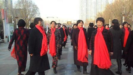 安平县平安公园舞步模特队排练