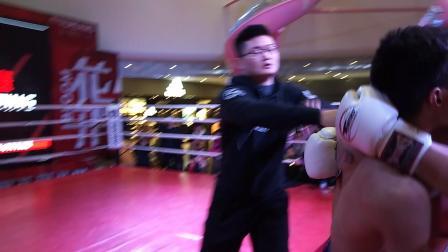 拳天下自由搏击比赛扎西恩波VS李年恒2