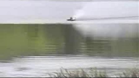 128Km百威船视频