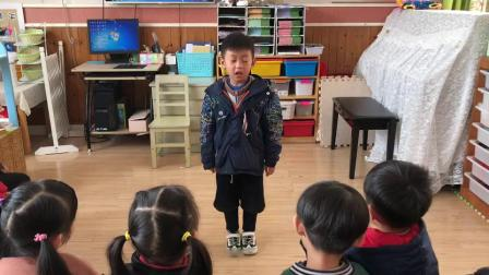 中(四)班陈泱睿小朋友讲故事-三只小猪
