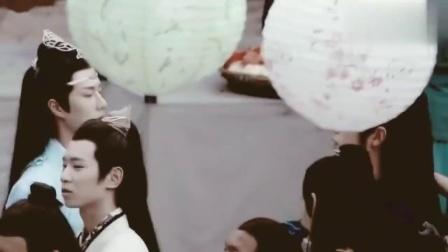 肖战王一博拍摄陈情令时超幼稚,网友-你们俩刚从幼儿园毕业吗