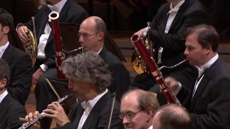 《贝多芬降E大调第三英雄交响曲》指挥:西蒙.拉特 柏林爱乐 2015年10月12日柏林爱乐大厅