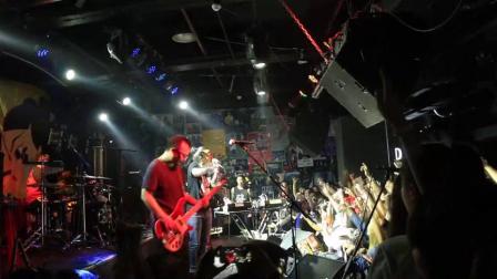 痛仰乐队《再见杰克》,高虎一开口,台下的摇滚歌迷都沸腾了