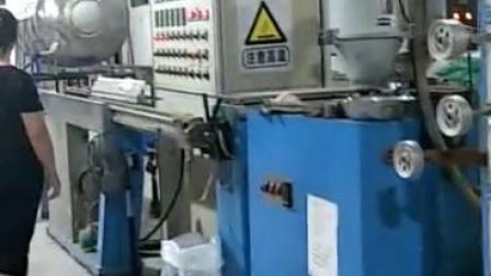 紧包光纤生产视频