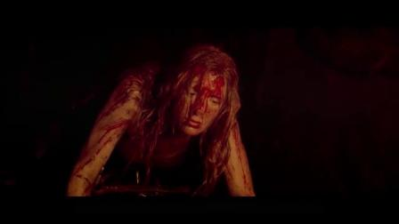 几分钟看完怪兽片《黑暗侵袭》深洞下暗藏的恐怖生物