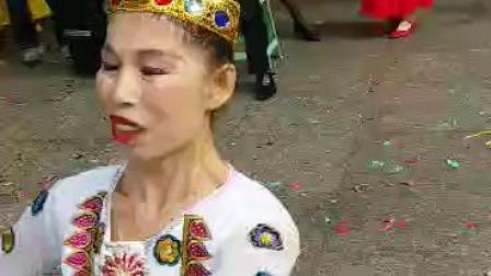 深圳市莲花山杜鹃花新疆舞团队英英老师表演新疆舞