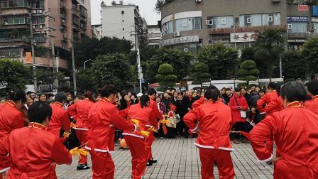 奉节县滨江新城夕阳红舞蹈队连厢金钱棍