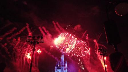 米奇欢乐圣诞烟火秀  Mickey's Very Merry Christmas Fireworks Show 2018 - DJI Osmo Pocket