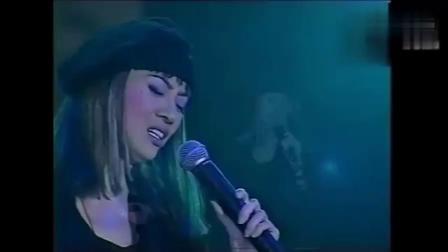 张国荣走后,梅艳芳一人唱完这首歌,最后还是忍不住失声痛哭