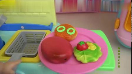 信芭比娃娃厨房做各种水果食玩蛋糕派,果冻冰淇淋厨房玩具DIY视频8661