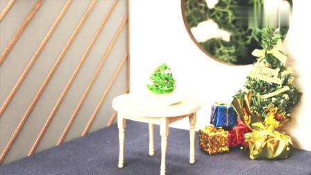 芭比小厨房:日本食玩之迷你圣诞树蛋糕,真是可以吃哦!